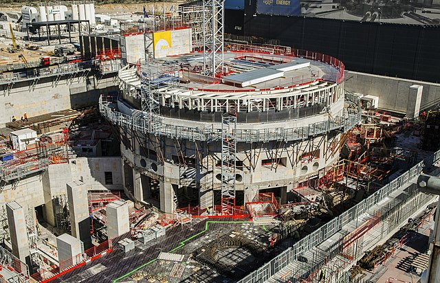 640px-ITER_construction_in_2018_(41809718461).jpg